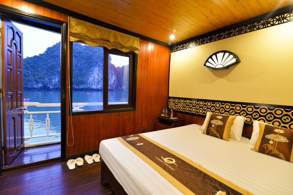 Halong vspirit cruise_bed room.jpg