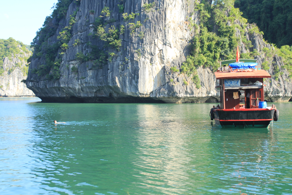Halong bay & Lan Ha bay Full Day Budget Daily Tour