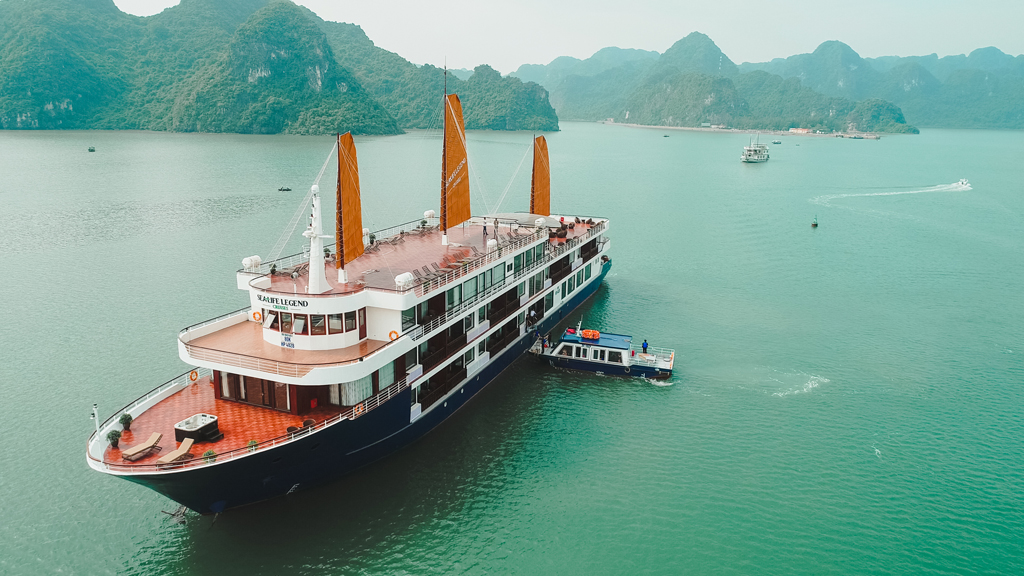 halong sealife legend cruises.jpg