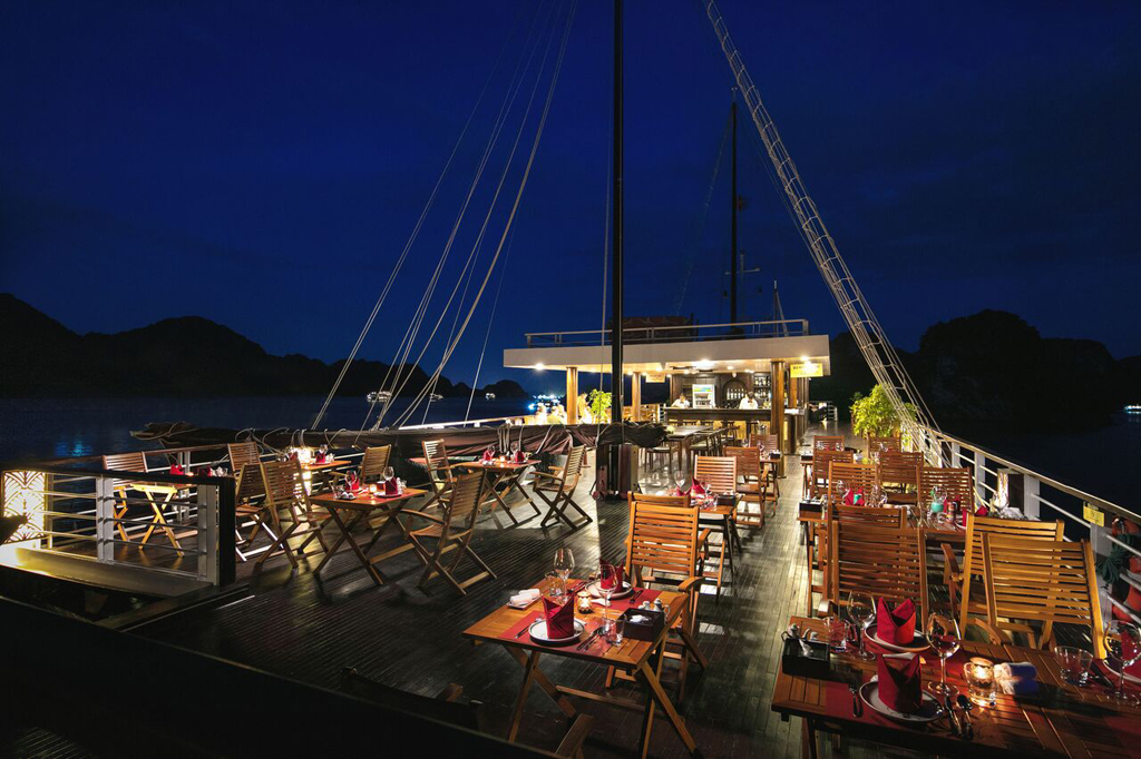 Sundeck at night on Perla dawn sails