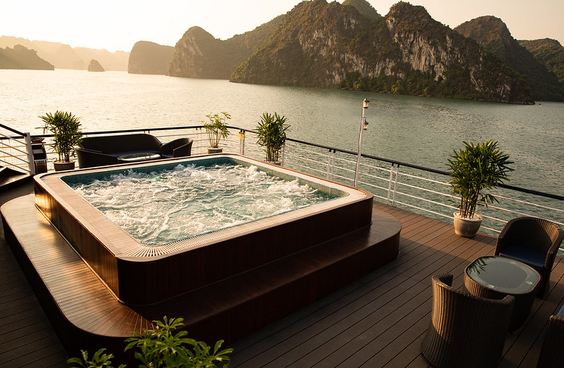 Halong Doris Cruise small pool