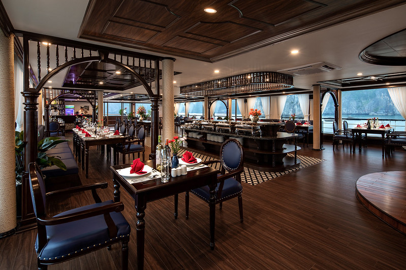 Halong Doris Cruise Dinning room