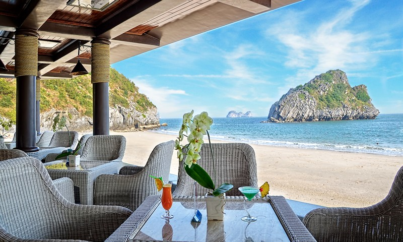 Cat Ba Sunrise Resort - Restaurant.jpg