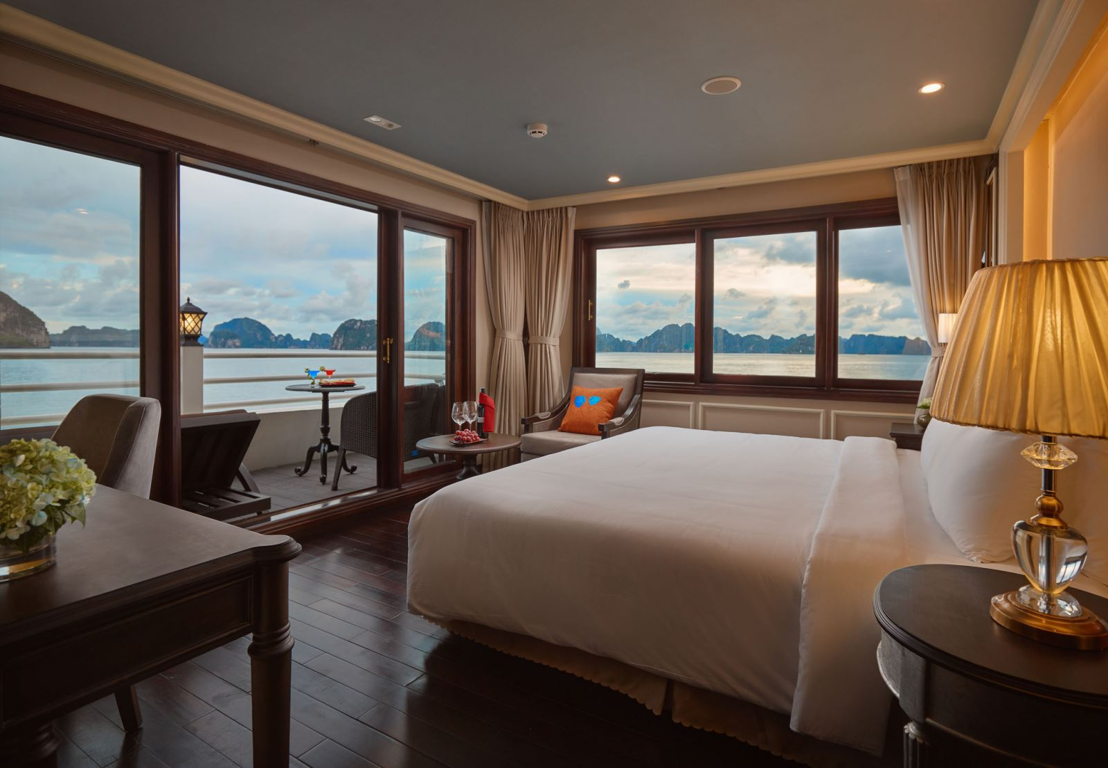 Private balcony double bed on halong athena cruise