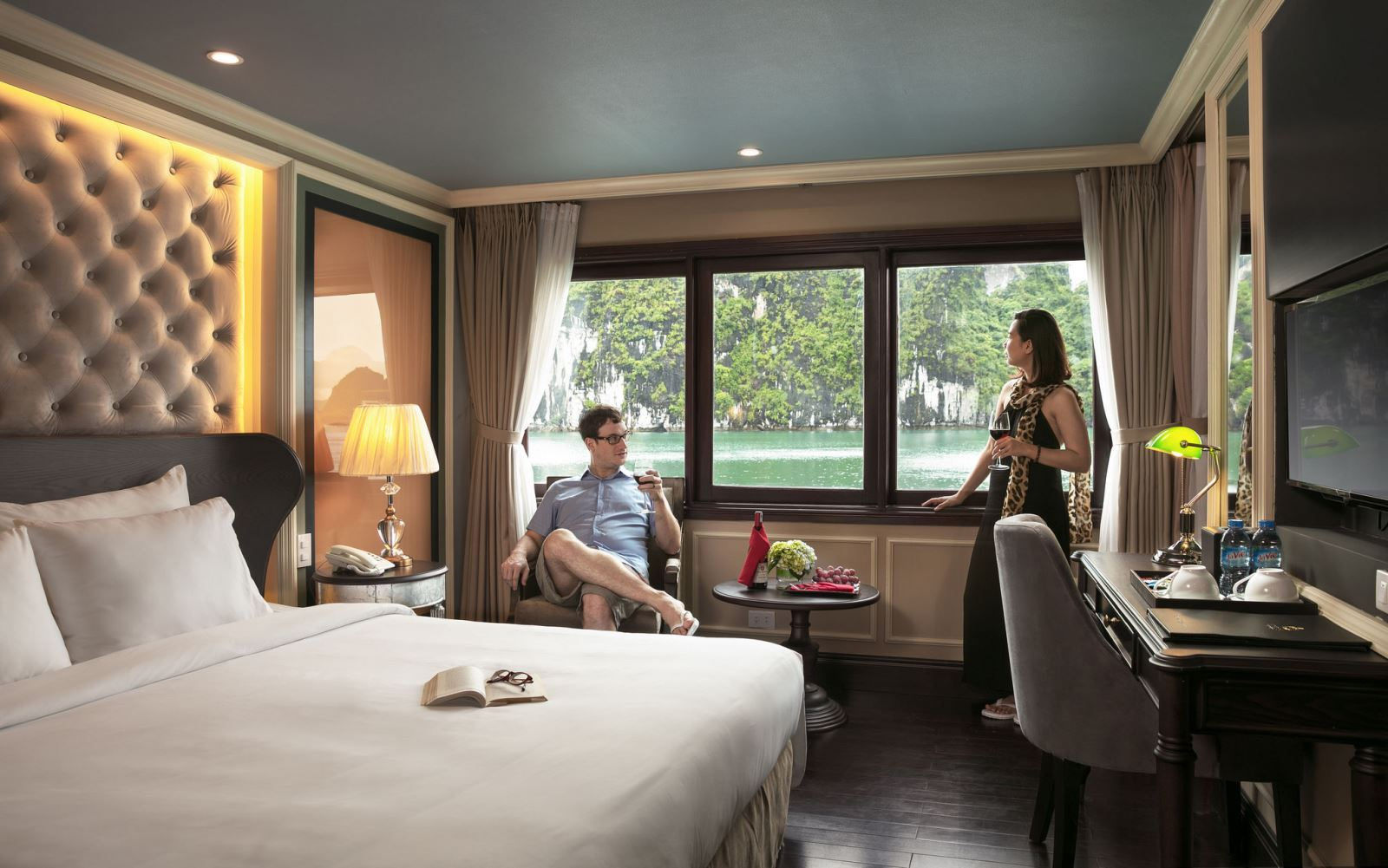 Double bed room on halong athena cruise