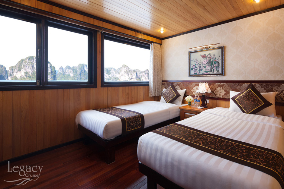 deluxe seaview room on Halong Legacy Cruise