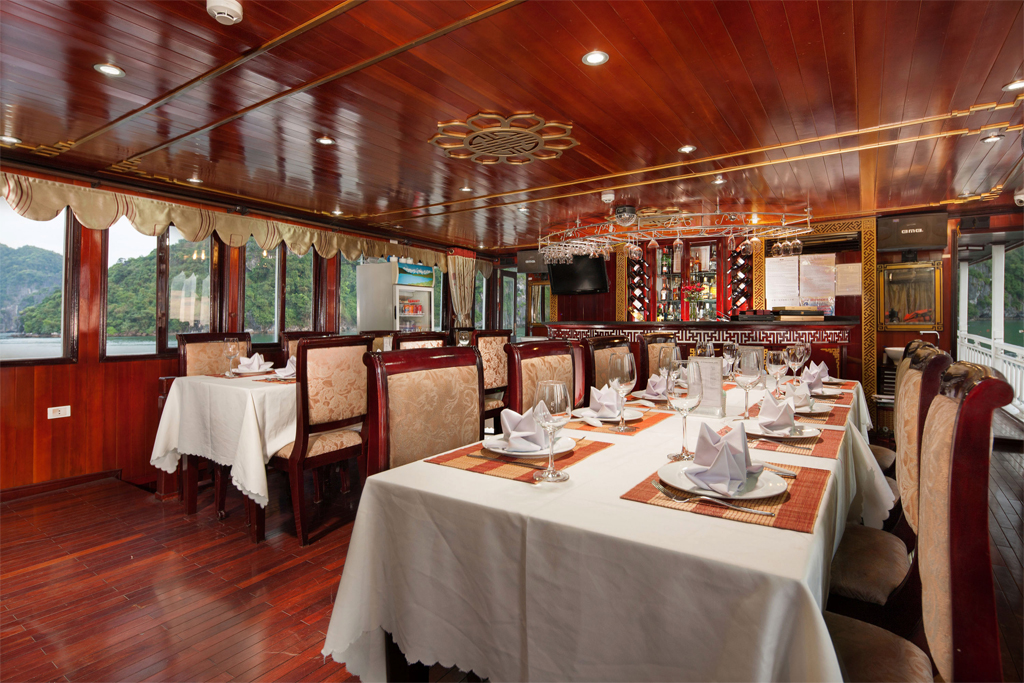 Dinning room on Lan ha legend cruise