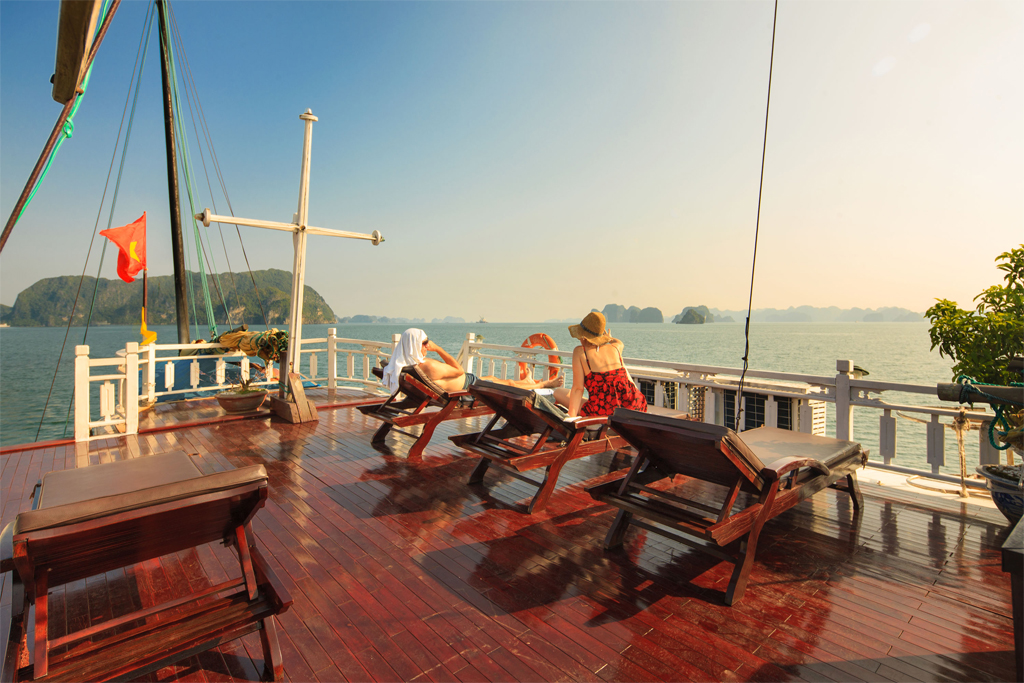 Sundeck on Lan ha legend cruise