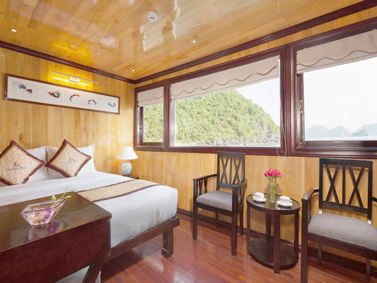 Halong Garden bay luxury cruises.jpg