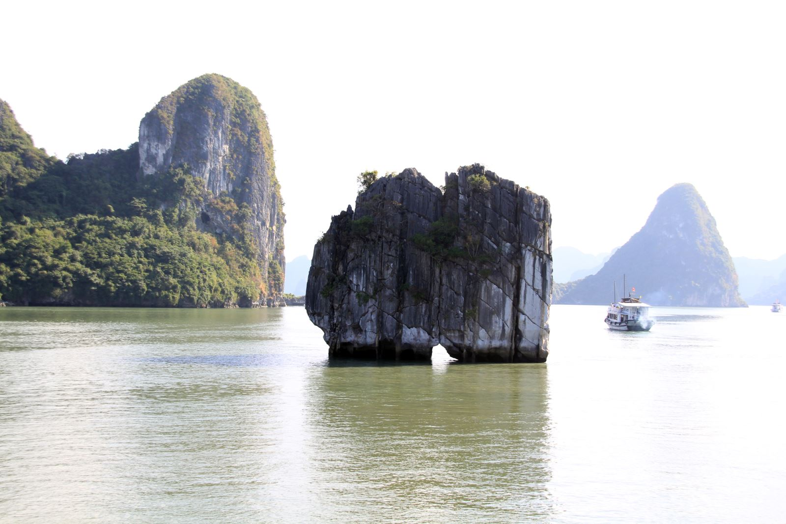 Halong Bay Overnight boat & Monkey island 3 days 2 nights