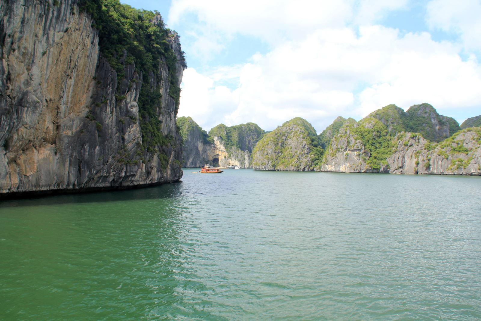 Halong And Quan Lan island package tour in 4 Days