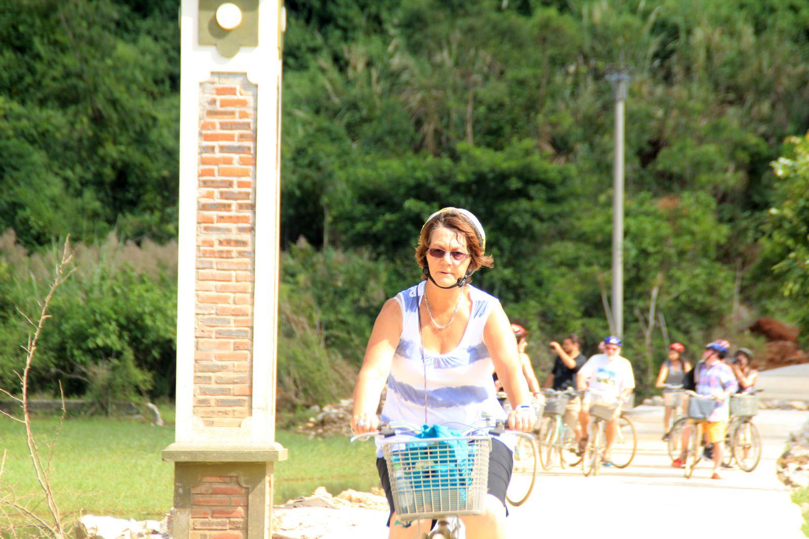 Viet hai villages biking trip
