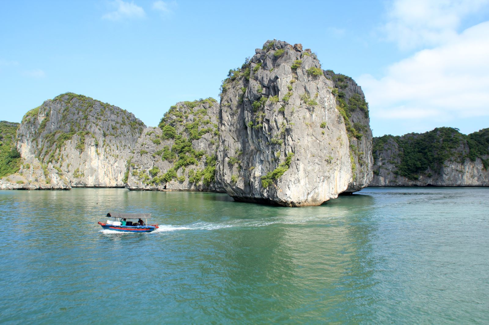 Halong and Coto island package tour in 4 days