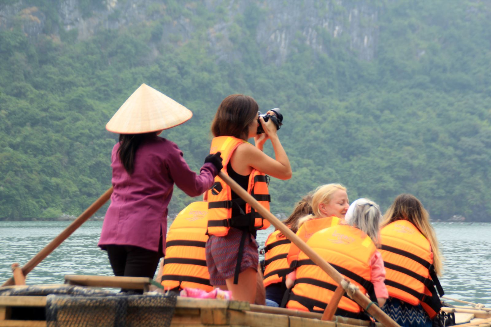 visit vung vieng fishing village.jpg