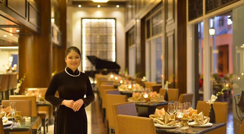 Paradise Suites Hotel - Restaurant.jpg