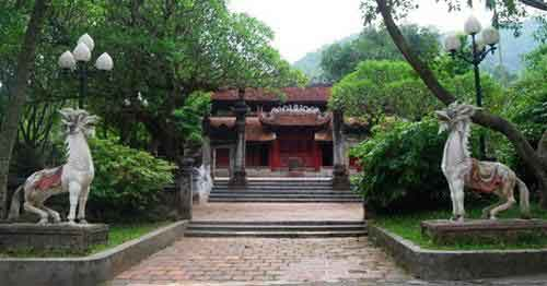 Soc Son Temple.jpg