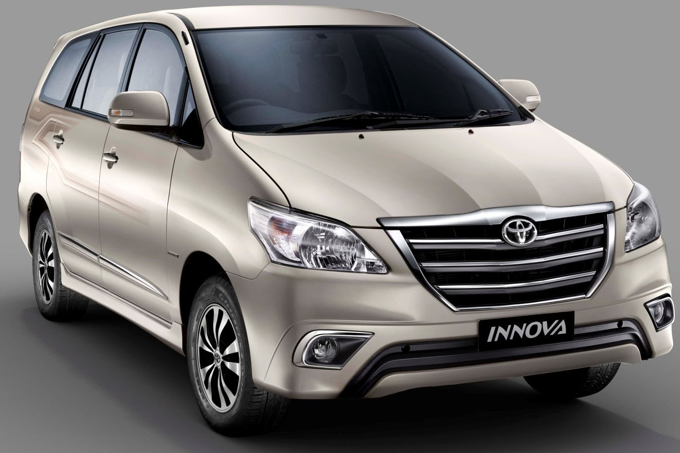 private innova car.jpg
