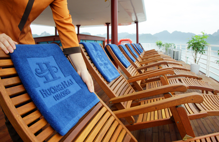 halong huong hai sealife cruise - sundeck chair