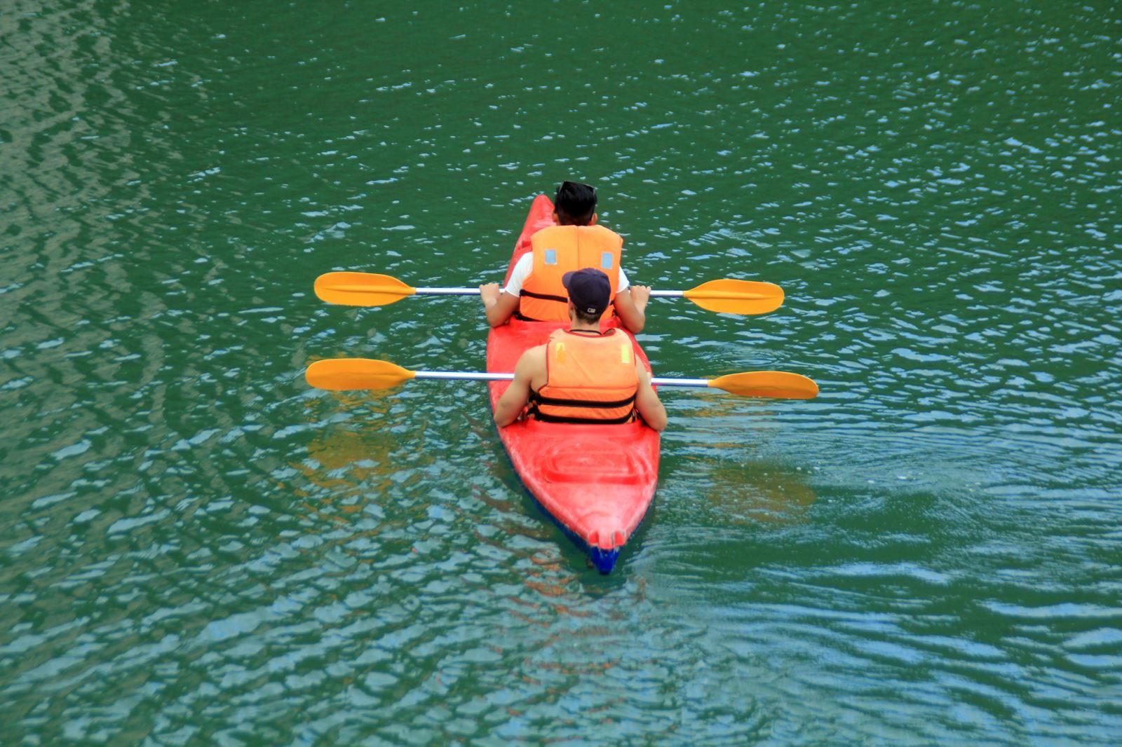 halong kayaking.jpg