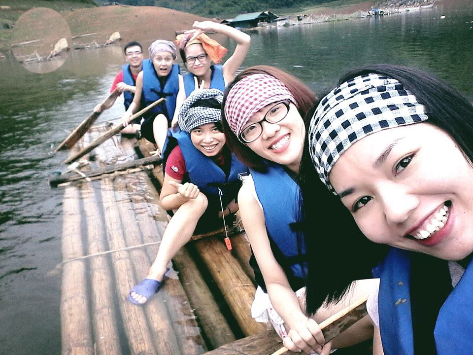 Da Bac kayaking and Mai Chau valley tour