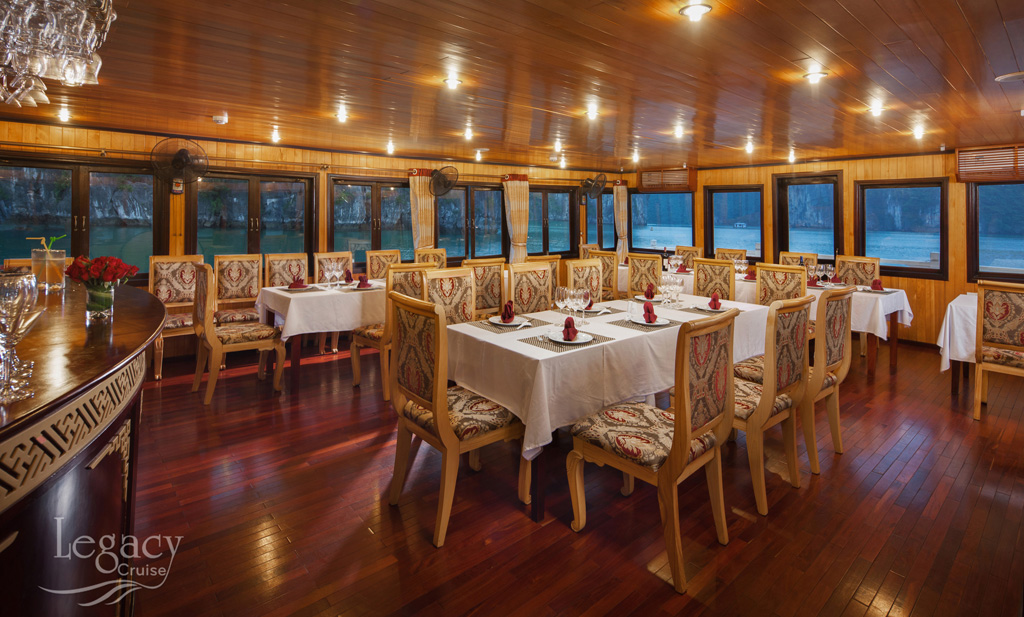halong legacy cruise dinning room