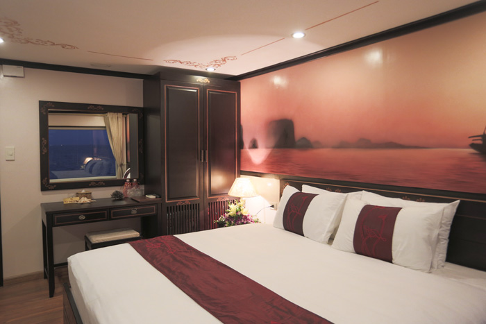 halong huong hai sealife cruise - bed room