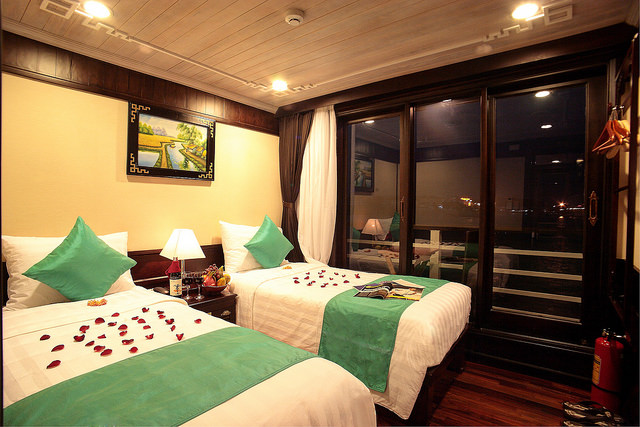 halong glory legend cruise-suite.jpg