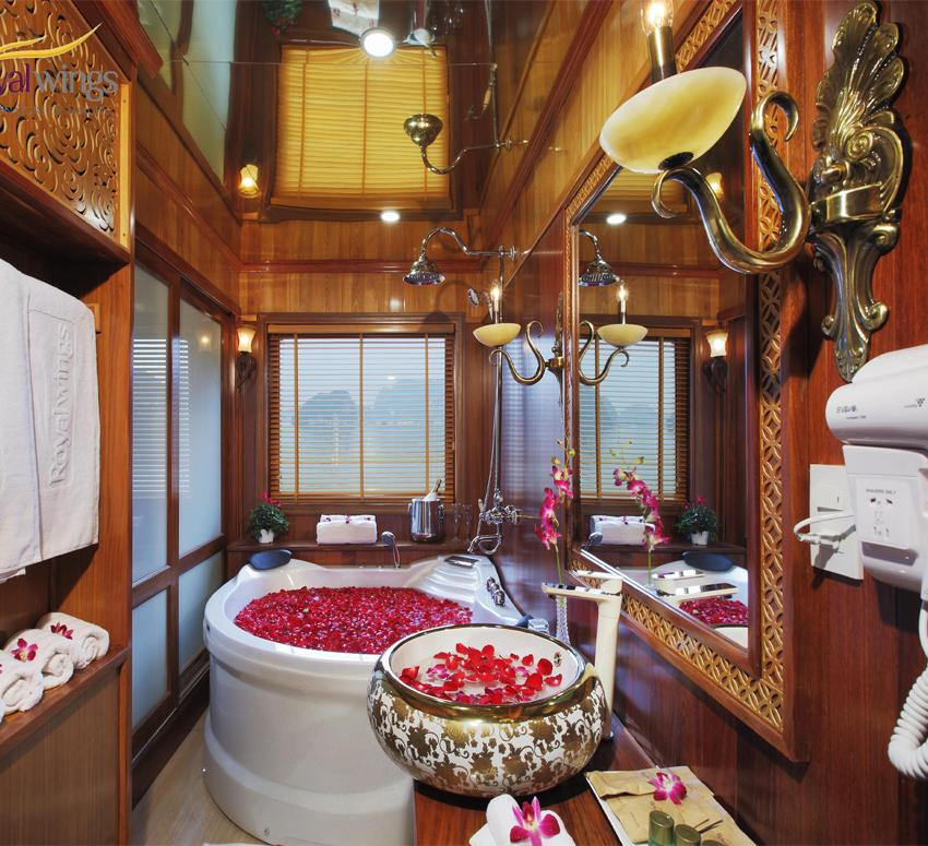 halong royal palace cruise - bathroom.jpg