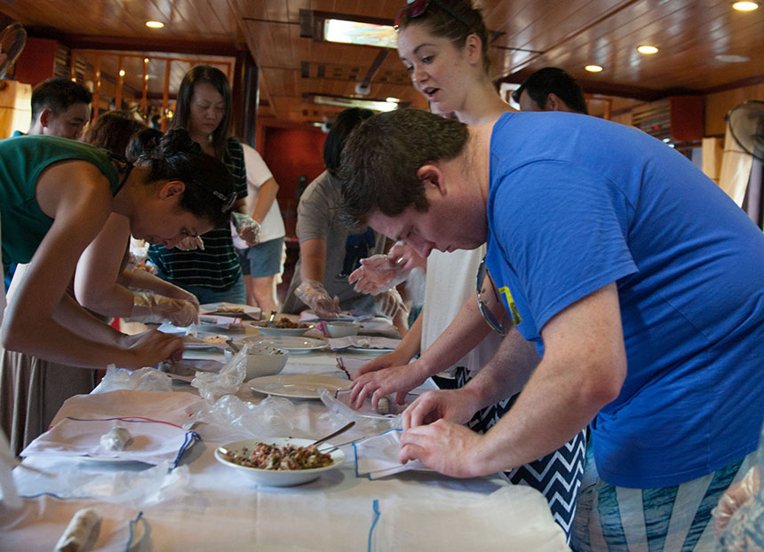Halong swan cruise-cooking class.jpg