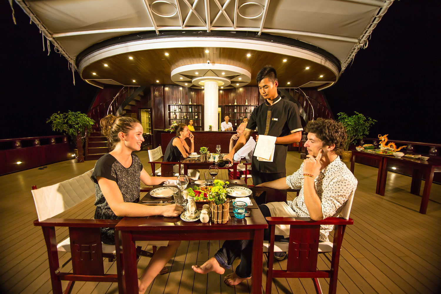 halong dragon legend cruise-dinner.jpg