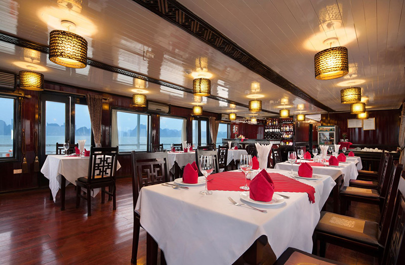 halong aclass legend-dinning room.jpg