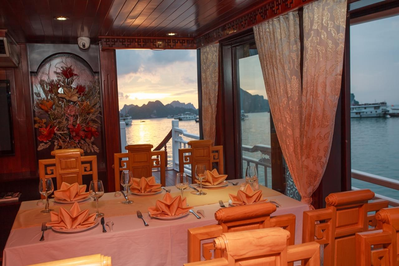 halong viola cruise - dinning room.jpg
