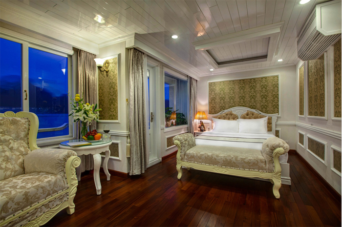 Double room on Halong signature cruise