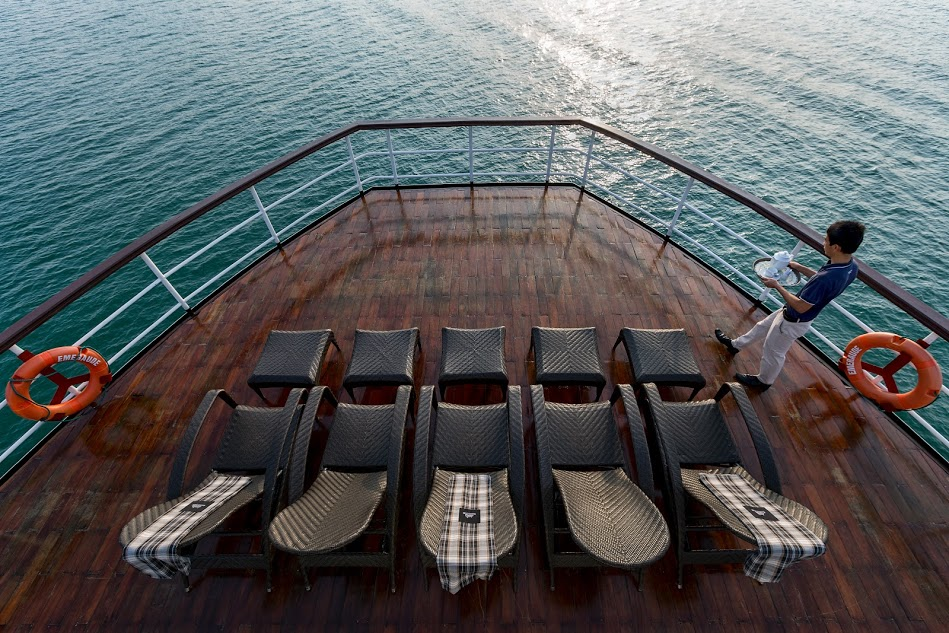 Halong emeraude cruise - sundeck.jpg