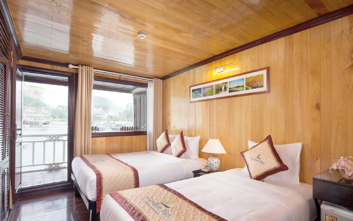 halong garden bay cruise -bed room.jpg
