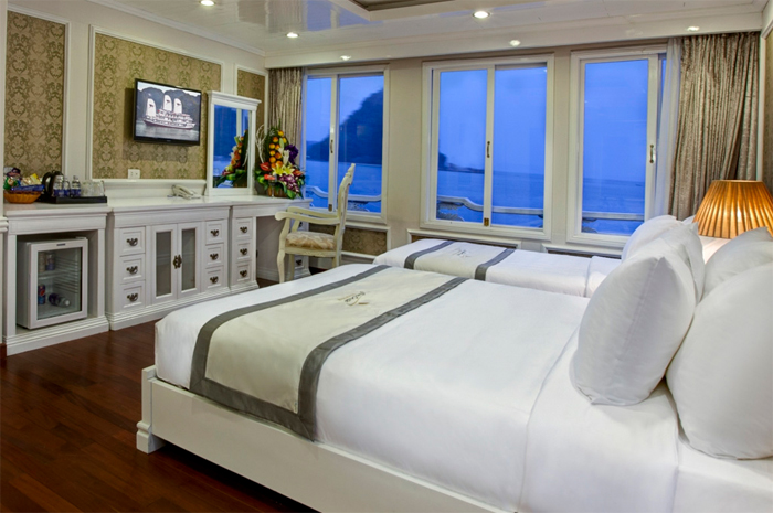 family room on Signature cruise halong bay
