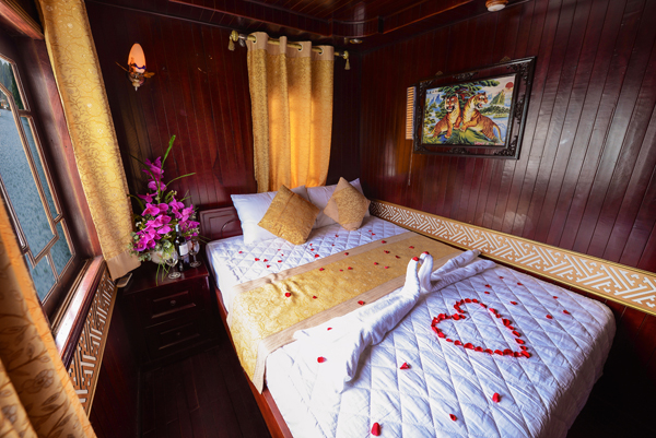 halong fantasy cruise-honeymoon.jpg