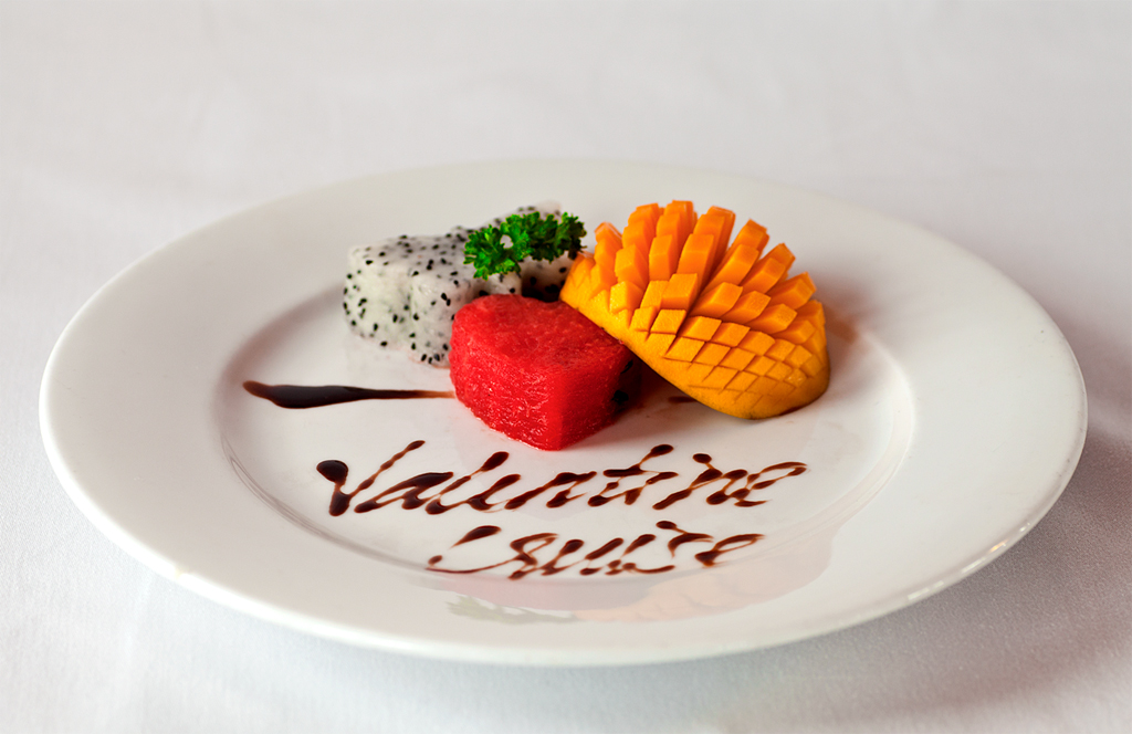 halong valentine cruise_food.jpg