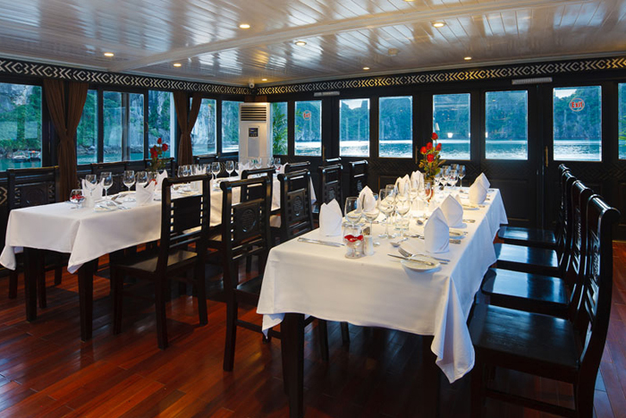 halong carina cruise - dinning room.jpg