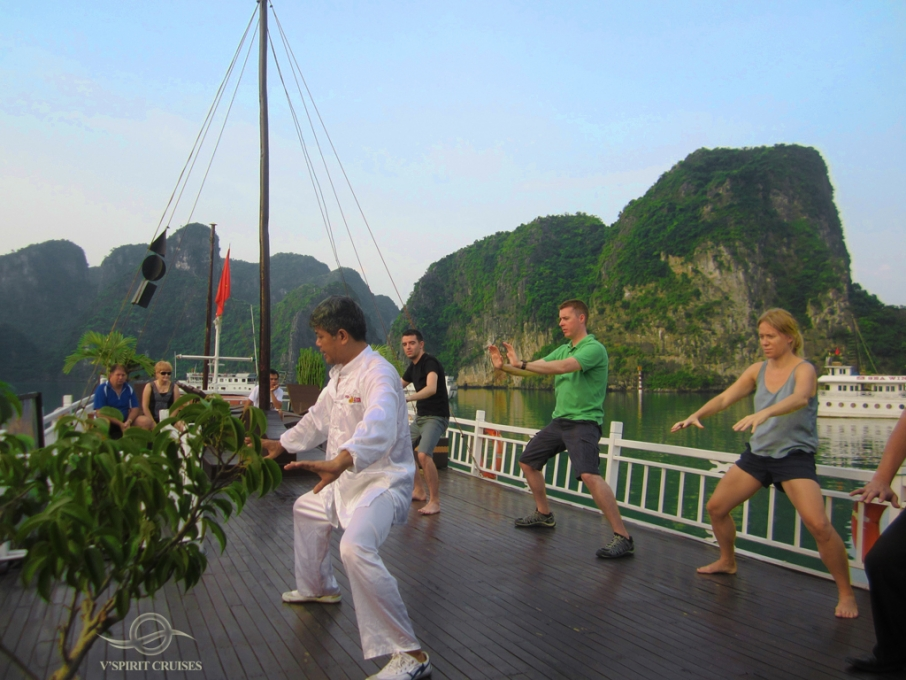 Halong vspirit cruise_activity.jpg
