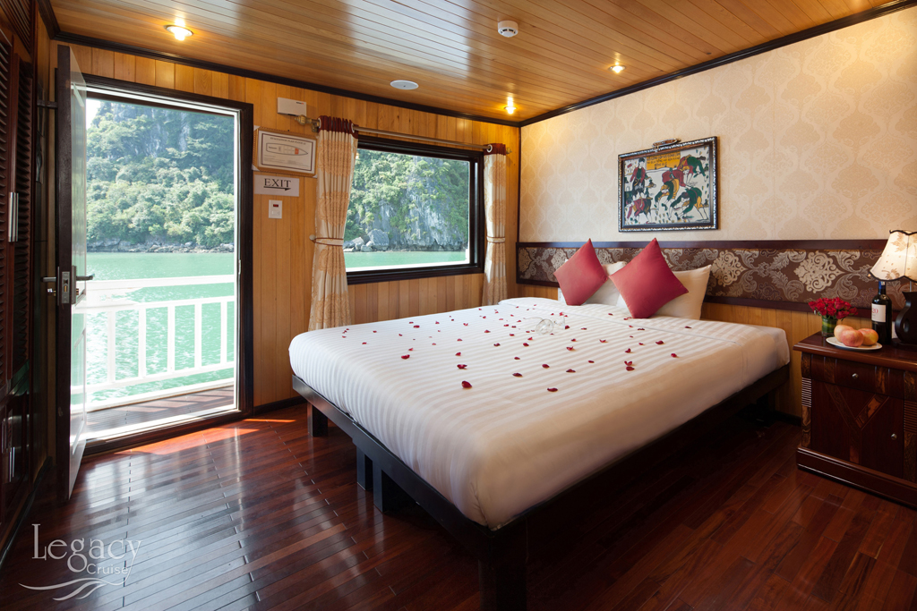 honeymoon suite on Halong Legacy Legend cruise