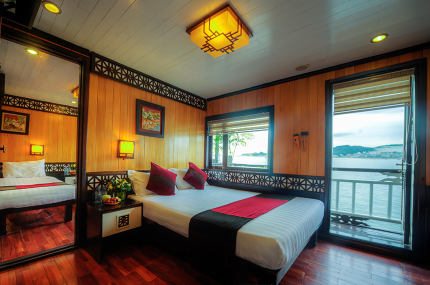 Halong swan cruise-connecting room.jpg