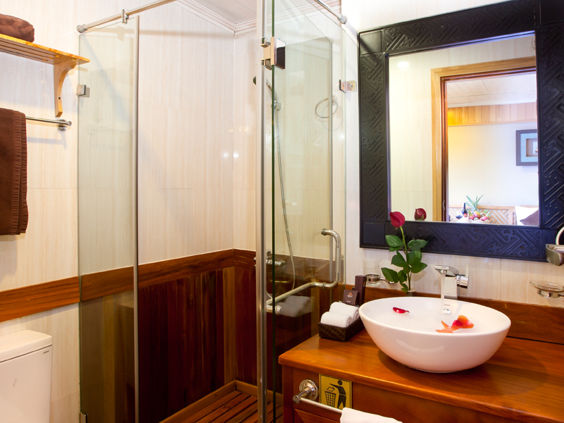 halong pelican cruise - bathroom.jpg