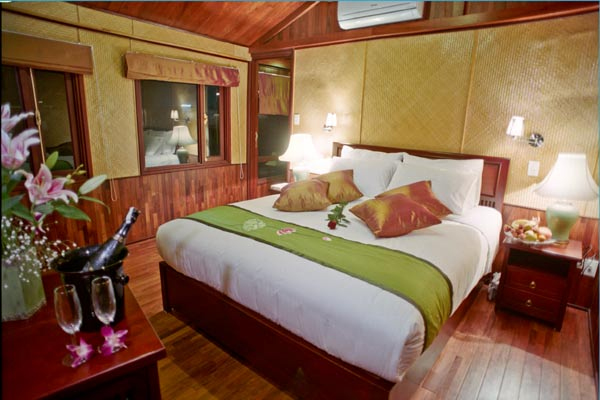 halong valentine cruise - double.jpg