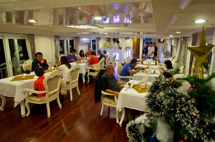 Dinning room on Halong Signature cruise