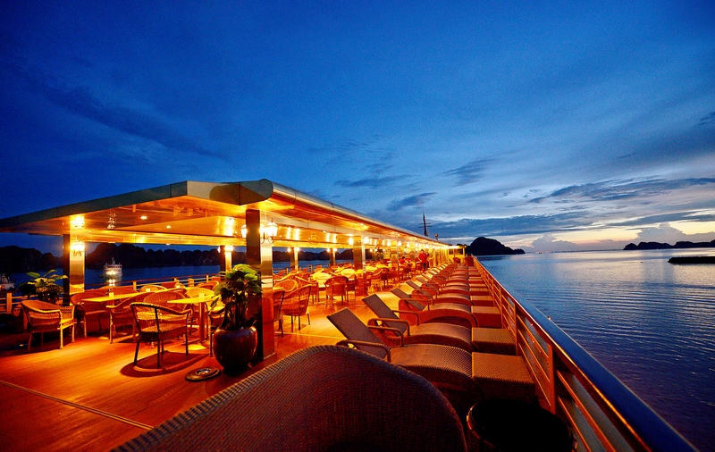halong golden cruise-sundeck.jpg