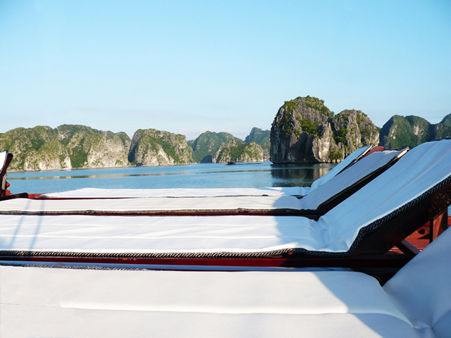 Cat ba private cruise.jpg