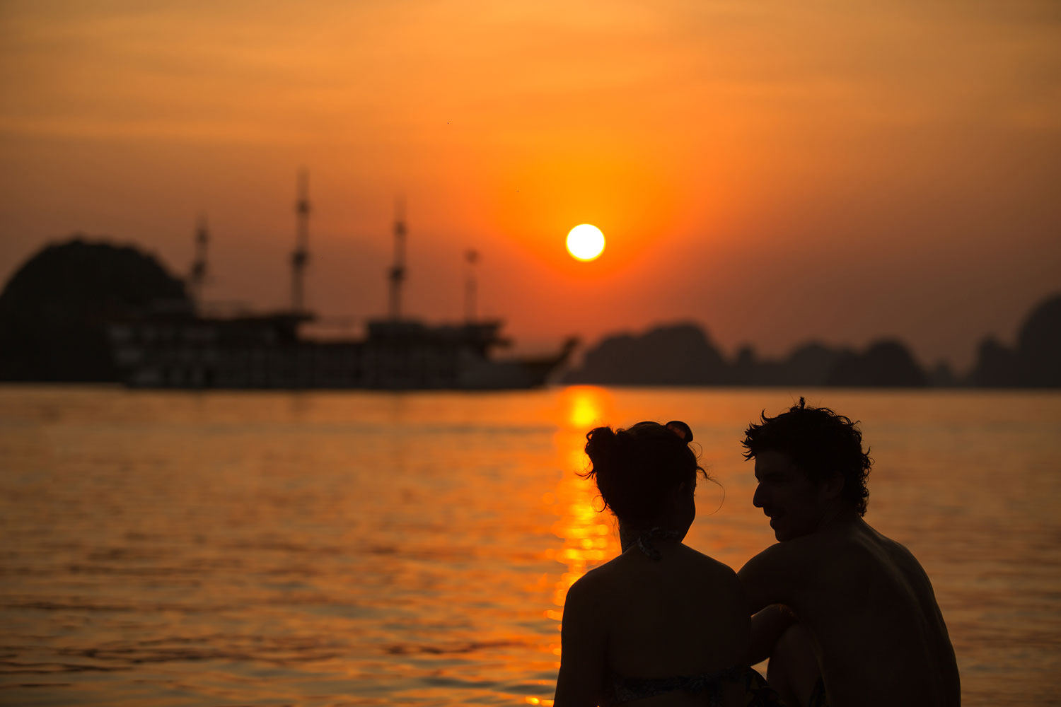 halong dragon legend cruise-sunset.jpg