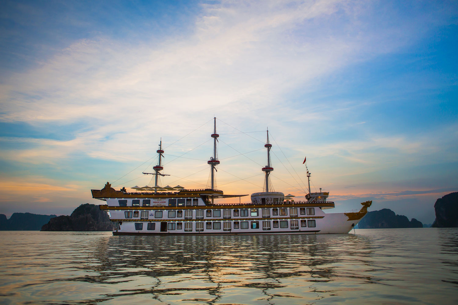 halong dragon legend cruise-view.jpg