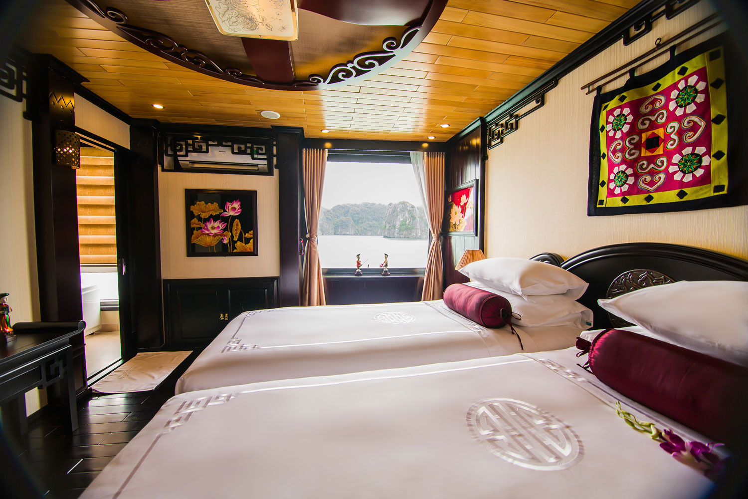 halong dragon legend cruise-bed room.jpg